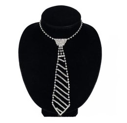 venda por atacado Joias Europeias e Americanas Laço de diamante Long Colar Feminino Bow Fashion Set Vestuário
