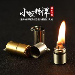 Mini Kerosine Aansteker Capsule Draagbare Metalen EDC Gear Waterdichte Tiny Pean Slager Sleutelhanger Brand Starter Vooral voor overleving en noodsituatie