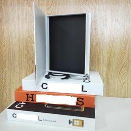 Gefälschte Bücher öffnende Dekorationsbuch-Buchbox stilvoll und schöner Desktop können angepasste dekorative Objekte mit speichertem Lager im Angebot