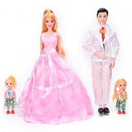 Discount little people toys Wholesale- High quality Girl Play House Toys Gifts Family 4 People Dolls Suits 1 Mom 1Dad 2 Little Girl dolls
