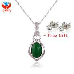 44c888752fbd Collar de piedras preciosas de Jade de malayo natural de lujo 2015 nuevo  moda oro blanco de 18 quilates plateó la joyería de moda regalo de San  Valentín ...