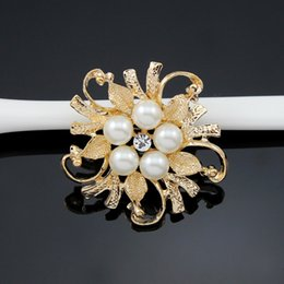 gold diamante flower brooch 2019 - Brooches For Women Exquisite Imitation Cream Pearl Flower Pin Brooch Diamante Wedding Brooch Pins Silver Gold Elegant Wo