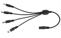 DC питания сплиттер 1 до 4 способ питания сплиттер кабель 1 штекер 2 Двойной женский шнур для CCTV камеры 5.5 мм / 2.1 мм