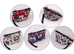 $enCountryForm.capitalKeyWord NZ - 200pcs 2017 New Fashion Women PVC Geometric prism cosmetic bag 5Colors Zipper Coin purses