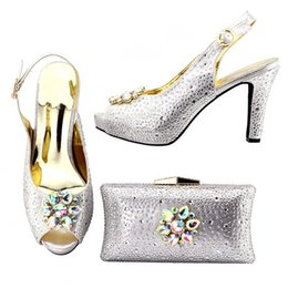 Sliver Color Elegant Crystal Women Shoes Wedding Woman Low Heels Comfortable Slip On Sdandals Slipper XF007 Cheap Rhinestone Silver