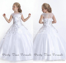 Discount little girl princess dresses 2016 Crystal Beads Flower Girl White Flower Girl Dresses Gowns Little Girls Pageant Dresses Size Little Pageant Gowns fo