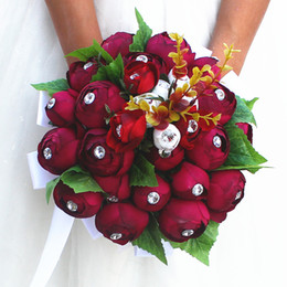 Barato Bouquets De Noiva Artificiais Rosas Vermelhas-Jane Vini 2018 Elegant Dark Red Rose Bride Wedding Bouquets Flores artificiais com diamante Bridal Wedding Brooch Acessórios Romântico