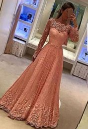 Barato Pescoço De Renda Rosa-Elegant Blush Pink Evening Gowns Bateau Neck mangas compridas Lace Applique Crystal formal vestidos Pavimento Length Prom Gown Custom Made