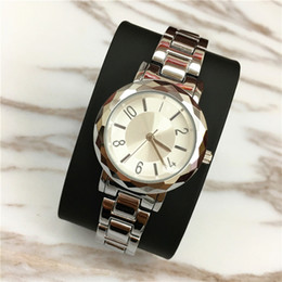 watch color blue for girl NZ - 2017 Fashion Women Watch Shell Face Luxury New Model Lady Wristwatch Steel Gold Color free shipping with box Gift for girls Wholesale price