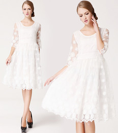 China New Fashion Women Organza Princess Embroidered Dress Lady Elegant Slim Knee-Length White Wedding Dresses suppliers