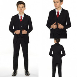 Barato Smoking Para Meninos-Boys Tuxedo Boys Dinner Suit para terno formal do casamento Smoking preto para ternos de ocasião formal para homens pequenos (Jacket + Pants + Vest)