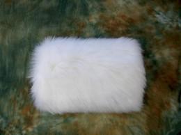 Hohe Qualität Faux Pelz Winter Hand Muff Elfenbein Weißer Farbe Günstige Warme Braut Handwarmer Hochzeit Handschuhe im Angebot