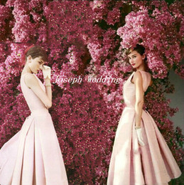 Robe Pure Et Légère Pas Cher-Livraison gratuite Audrey Hepburn par Norman Parkinson Light Pink Cocktail Party Dress 2017 Plissé Homecoming Gown JW176