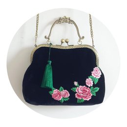 Wholesale peony embroidery for sale - Group buy Handmade Hasp Tassel Peony Black Chains Chinese Style Cheongsam Bags Cross Body Bags Embroidery Velvet Clutch Bag Handbag Tote