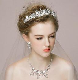 $enCountryForm.capitalKeyWord Canada - Bridal crowns jewelry Romantic Rhinestone Tiara Necklace Earring Set Bridal Wedding Accessories Party Jewelry Wedding Accessories HT031