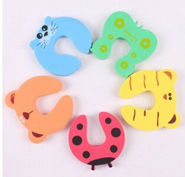Baby Gates Canada - Cute Baby Door Stopper Safety Finger Pinch Guard Protector Baby safety gate card Animal model