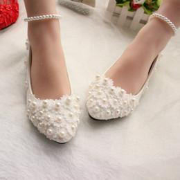 Perles et Dentelle 2018 Chaussures de Mariage Appartements Chaussures de Mariée Douce Plateformes Confortables Chaussures de Soirée de Bal avec des Perles Bracelets de Cheville en Solde