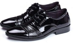 pointy black dress shoes men 2018 - Autumn and winter men's business dress shoes real leather pointy lace wedding shoes soft leather casual cheap point