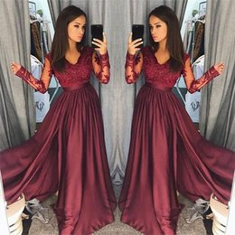 Barato Mangas De Renda Borgonha-2018 Borgonha Prom Festa Vestidos Cetim Lace V-neck A-line Manga comprida Zipper Formal Evening Party Vestidos Custom Made