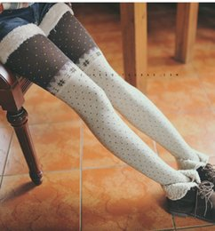 Stockings Legs Nylon Canada - FG1509 stockings women tights fashion cute dots autumn winter models stitching snowflake combed cotton pantyhose legging stocking