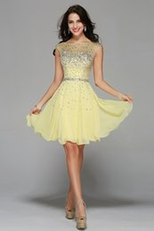 Barato Mais Tamanho Vestido De Cocktail Amarelo-2017 New Fashion Yellow Scoop Shinning Beaded Short A -Line Cocktail Dresses Custom Made Plus Size Homecoming Vestidos