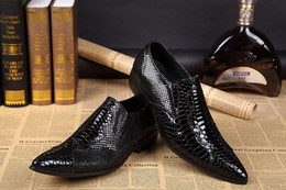 Barato Vestidos De Noiva Tamanho Grande-Hot Sale Black Snakeskin Custom Made Wedding Groom Shoes Men Vestido Sapatos Prom Party Flats Shoes 2017 Big Size 46