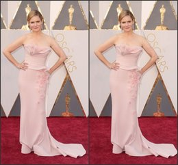 Robes De Tapis Rouge Sexy Pas Cher-Jennifer Jason Leigh Celebrity Dresses 2016 88e Oscar Red Carpet Robes Blush gaine balayage train Spandex longues formelles Robes de fête avec Petals