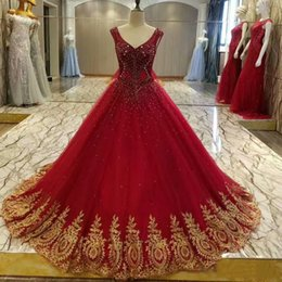 Balls Falls Weddings NZ - 2018 winter fall snow garden v neck Ball gown red colorful wedding dresses western bridal wedding gowns