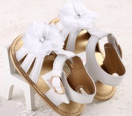 Barato Tamancos Bebê-Wholesale-2016 New Fashion Summer Baby Gilrs Sandals Clogs Branco Flat Com Soft Infant Toddler Kid Meninas Sandálias Baby shoes 0-18months
