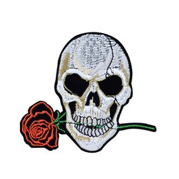 China Skull Bite Rose Patches for Clothing Iron on Transfer Applique Patch for Jacket Jeans DIY Sew on Embroidered Badge 1pcs cheap diy embroidered rose suppliers