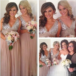 Barato Vestido De Coral Brilhante-Sequins Chiffon V Neck Bridesmaid Dresses Plus Size Rose Gold Sparkly Maid of Honor Bridal Wedding Party Vestidos Maternidade 2015 Custom Made