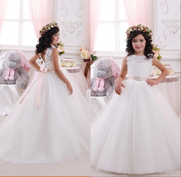 Discount lovely cheap wedding dresses - New Arrival 2018 Cheap Lovely White Flower Girls Dresses Lace Tulle Ball Gown Birthday Party Gowns Children Communion Dr