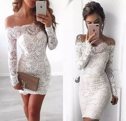 Barato Vestidos Curtos Elegantes Novos-2017 Novo Elegante Off Shoulder Lace Cocktail Dresses Long Sleeves Sexy Mini Homecoming Dress Mini New Evening Dresss Formal