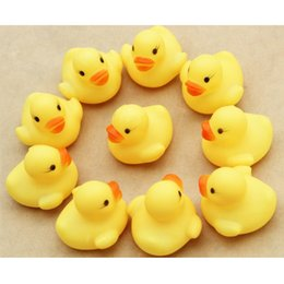 Toys Water Sound Baby NZ - MINI Yellow Duck Baby Bath Water Toys Sounds Rubber Ducks Kids Bathing Swiming Beach Gifts Sand Play Water Fun Kids Toys 200pcs SK572
