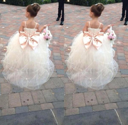 Ciseaux De Mariage Blanc Pas Cher-2017 Princess Lovey Flower Girls Robes Cristaux Beads Sashes White Lace Pageant Dress For Wedding Party BO8553