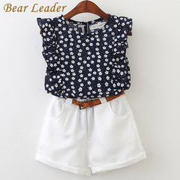 Barato Terno Azul Urso-Wholesale-Bear Leader 2017 New Casual Children Conjuntos Flores Blue T-shirt + White Pants Com Pu Belt Girls Vestuário Vestuário Kids Summer Suit