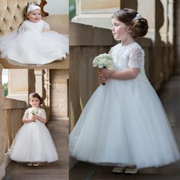 Barato Rendas Vestidos De Tule Toddler-2016 New Crew Vestido de baile mangas curtas Vestidos de lã branca First Communion Tulle Toddler Infant Flower Girls Vestido de baile BA1413