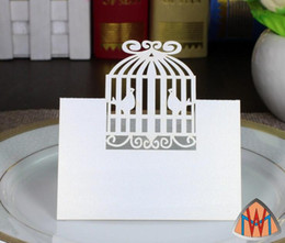 Barato Gaiolas De Pássaro Cortadas-100pcs Laser Cut Hollow Birdcage Bird Cage Paper Table Card Número Cartão de nome para festa Wedding Place Card Decore