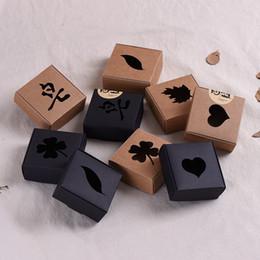 Scatola di aeromobili Kraft Paper Square Hollowed Out Design Packaging Organizer Scatole di sapone Handmade Eco Friendly Vendita calda 0 37jc5 B
