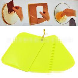 $enCountryForm.capitalKeyWord Canada - New 3Pcs set Plastic Dough Icing Fondant Scraper Cake Decorating Baking Pastry Tools Plain Smooth Jagged Edge Spatulas Cutters TT26