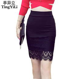 Barato Calças De Contorno Por Atacado-Atacado- TingYiLi S-5XL Plus Size Black Pencil Skirt Lace Bodycon Saias Womens Spring Summer Tight Sexy Mini Skirt