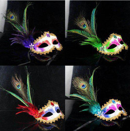 Masques De Cristal Sexy Pas Cher-Femmes Filles sexy Peacock Feather masques de mascarade paintball or Crystal embellished masque de dentelle Mardi Gras Masques Halloween Masques de fête