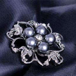 $enCountryForm.capitalKeyWord Australia - Crystal Pearl Flower Brooches Pins Corsages Wedding Bridal Brooch Pins Fashion Jewelry for Men Women Gift Will and Sandy DROP SHIP 170282