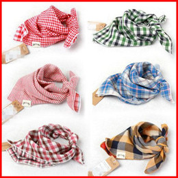 Coton Triangulaire Bande Bande Pas Cher-2016 New Baby Bandana Scarf Bibs Feeding Clear Triangle 100% coton Kid Head Scarf Babes enfant Burp Cloth Plaid Bibs 30pcs / lot Double fil