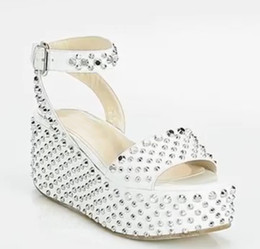 $enCountryForm.capitalKeyWord NZ - Cheap Modest White Wedding Shoes For Bridal Shoes Sexy Buckle Wedges Sandals With Rivets New Arrive Hot Sale Bridal Accessories Elegant
