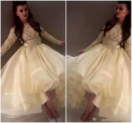 Robes À Manches Longues Jaunes Pas Cher-2015 Hot New Saudi Myriam Fares Celebrity Robes de soirée Light Yellow Long Sleeves Lace Organza High Low Prom Boutiques BO7425