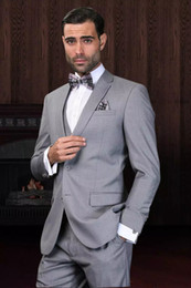 Barato Terno Azul Adaptado-Custom Made Light Grey Suit Homens Trajes de casamento personalizados para homens Slim Fit Groom Tuxedos For Men (Jacket + Vest + Pant + Bowie + Handkerchief)