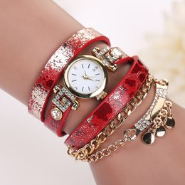 $enCountryForm.capitalKeyWord Canada - Fashion Long Leather leopard print Strap Punk Style Women Bracelet Watch sheetmetal Pendant Retro Casual Quartz Analog dress watches