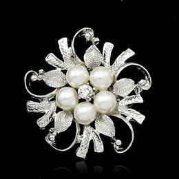 American Wedding Dress Shipping NZ - Crystal Pearl flower Brooches pins Silver Gold plated Corsage Women Men Wedding jewelry Bride Corsage Dress Suit jewelry DROP SHIP 170283