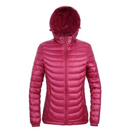 Chaquetas De Parka Para Mujer Baratos-HOT Brand Winter Spring Mujeres White Duck Down Jacket Mujer con capucha Ultra Light Down Chaquetas Womens Outdoor Portable Coat Parkas Outwear T516